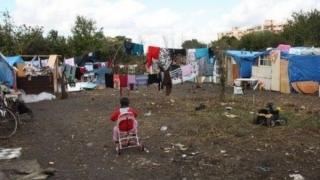 Un român a fost ucis, iar alţi doi au fost răniţi, într-o tabără de romi din Italia
