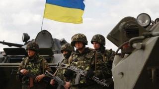 Trei militari ucişi şi alţi şase răniţi în estul Ucrainei
