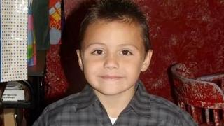 Un băieţel de 10 ani, abuzat şi torturat până la moarte de... mama sa