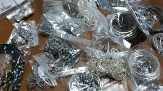 Unde a ascuns un român un kilogram de bijuterii din aur?!