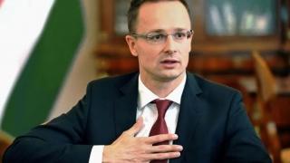 Ungaria protestează şi consideră că CE şantajează statele UE cu bani