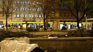 Dormitul pe stradă în Ungaria se pedepsește cu inchisoare