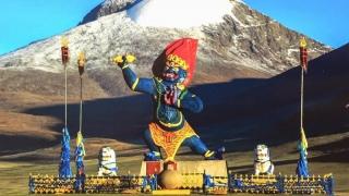 Un munte sacru din Mongolia a cerut ca tribut 17 vieţi de alpinişti