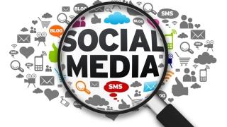 Un sfert dintre părinții care utilizează social media au afectate relațiile cu propriii copii