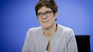 Urmaşa lui Merkel la șefia CDU a făcut o glumă proastă despre al treilea sex
