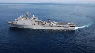 """Nava de desant """"USS Fort McHenry"""" vizitează Portul Constanţa"""