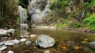 Românii alocă cei mai mulţi bani pentru vacanţele în interiorul ţării