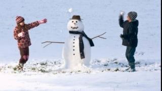 Elevii şi preşcolarii intră, de astăzi, în vacanţa de iarnă