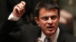 Premierul Franței îi ia apărarea ministrului de Interne în cazul atentatului de la Nisa