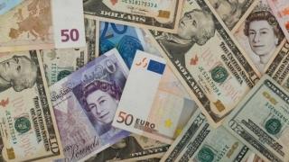 Ce se întâmplă cu valutele înainte de Crăciun