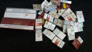 """Vânzătorii de țigări netimbrate din zona """"Eden"""", luați ca din oală de jandarmi"""