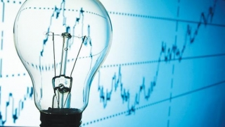 Cu cât va scădea preţul electricităţii