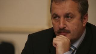 Vasile Dîncu nu candidează pentru un mandat de parlamentar