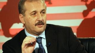 """Vasile Dîncu: """"Datoria noastră e să lăsăm scaunele goale în noiembrie"""""""