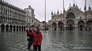 Veneţia, acoperită de al doilea val de inundaţii din ultimele zile