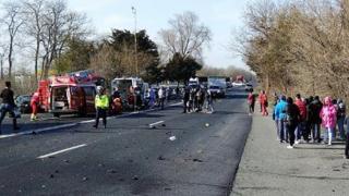 Accident rutier cumplit! Doi morţi şi zece răniţi!