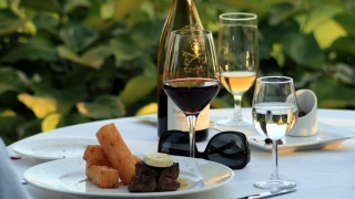 Ziua Gastronomiei şi a Vinului, mutată pe 15 septembrie?