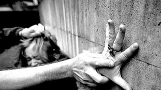 Revoltător! Viola în Grecia și se ascundea la Constanța
