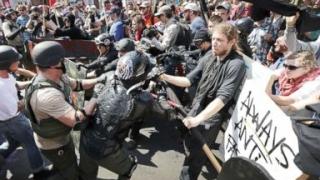 """Ministrul Justiției din SUA condamnă """"intoleranța rasială și ura"""" de la Charlottesville"""