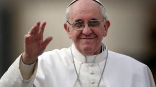 Vizita Papei Francisc în România a fost amânată