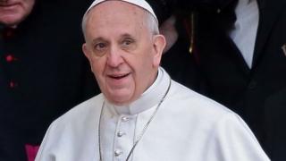 Papa Francisc își începe vizita de două zile în Egipt