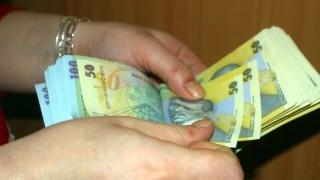 Cât vor crește salariile în noul an și după ce criterii