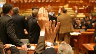 Camera Deputaților a adoptat creșterea indemnizațiilor pentru mame