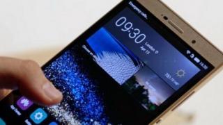Vrei un mobil cu ecran mai mare? Vezi ce poți păți!