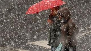 Alertă meteo de ninsori, lapoviţă şi ploi abundente în 15 judeţe
