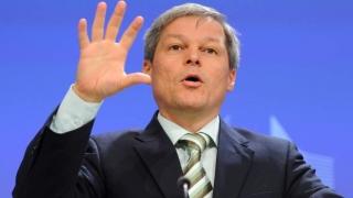 Cioloş: Trebuie să ne implicăm nu doar dând like-uri sau doar ieşind în stradă