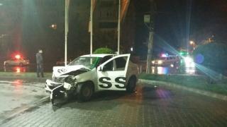 Accident rutier în Constanţa! O maşină a intrat într-o benzinărie!