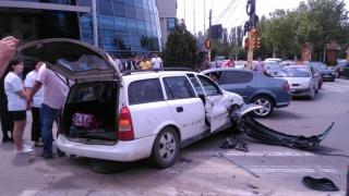 Primarul din Ghindărești, implicat într-un accident la Delfinariu!