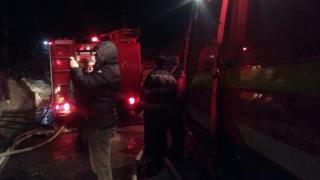 Pompierii, în alertă! O casă și un atelier auto, cuprinse de flăcări la Cumpăna!