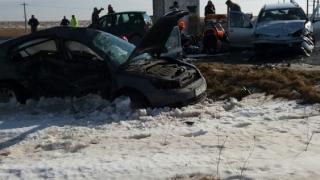 Accident grav în apropiere de Hârșova. Două persoane, încarcerate