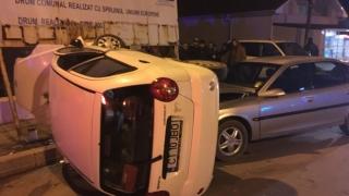 Accident la 23 August! Un autoturism s-a răsturnat!