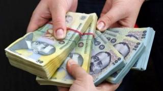 Când decide Guvernul majorarea salariului minim brut
