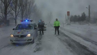 Peste 11.000 de pompieri, poliţişti şi jandarmi, pregătiţi să intervină în contextul atenţionării de ninsori şi viscol