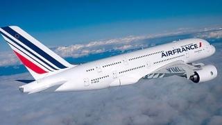Circa 20% dintre zborurile operate de Air France, suspendate pe fondul grevei naţionale
