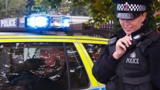 Zece persoane, împușcate în plină stradă în Manchester