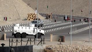 Zeci de insurgenţi ucişi în Peninsula Sinai!