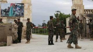 Zeci de morți! Atacuri coordonate ale talibanilor în Afganistan