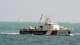 Zeci de persoane, între care 11 copii, salvate de Garda de Coastă în Marea Egee