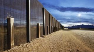 Pentagonul va folosi fonduri alocate sprijinirii forţelor afgane pentru construirea zidului cu Mexicul