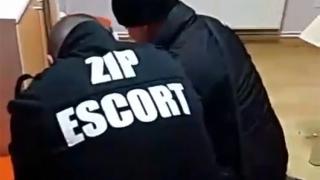 ZIP Escort a prins, de Revelion, doi spărgători de locuinţe