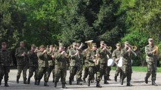 Exerciții demonstrative și prezentarea de tehnică militară de Ziua Forţelor Terestre