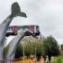O sculptură sub formă de balenă din Olanda a salvat o garnitură de metrou scăpată de sub control