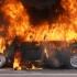 Trafic blocat pe un bulevard din Capitală după ce o mașină a luat foc