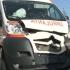 Ambulanță implicată într-un accident. Cinci persoane au fost rănite