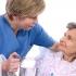 DGAS organizează cursuri pentru îngrijirea bătrânilor la domiciliu