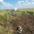 Militari americani ajută la recuperarea avionului MiG 21 LanceR prăbușit